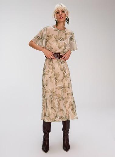 People By Fabrika Volan Detaylı Desenli Elbise Bej